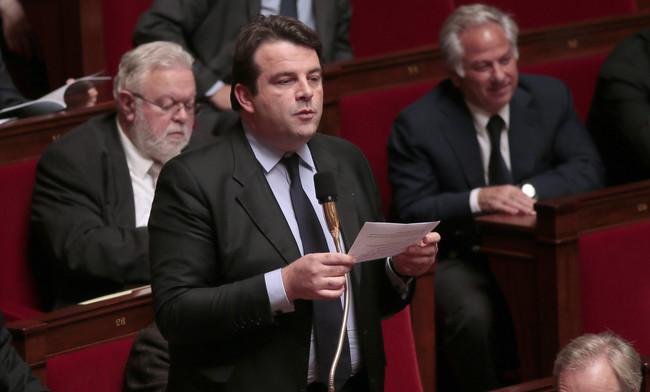 CSA et France Télévisions: l'UMP continue son cinéma
