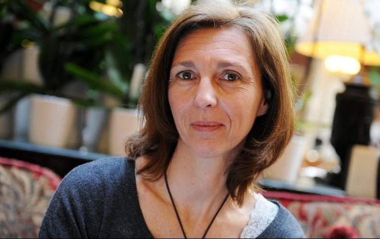 """Procès de Stéphanie Gibaud: la lanceuse d'alerte ne rentre pas """"dans le cadre"""" pour Bercy"""