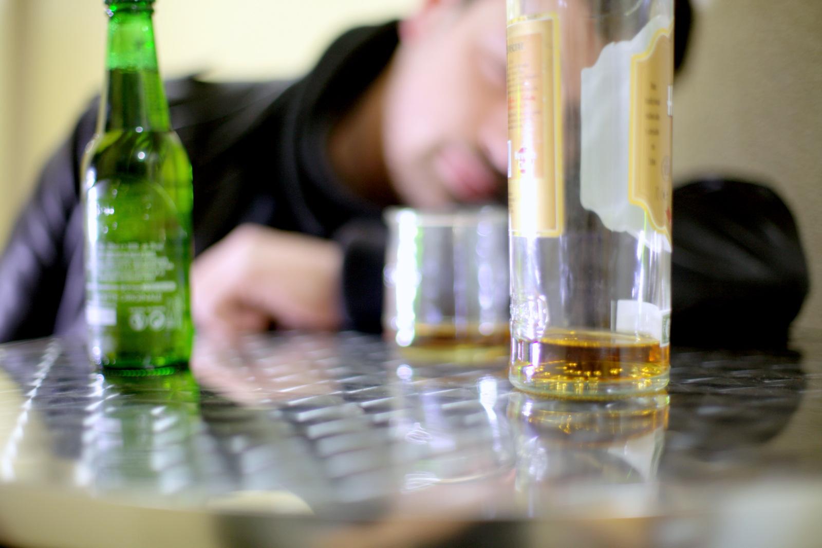 Deroxat, Prozac, Effexor, Zoloft: votre antidépresseur peut-il vous rendre alcoolique?