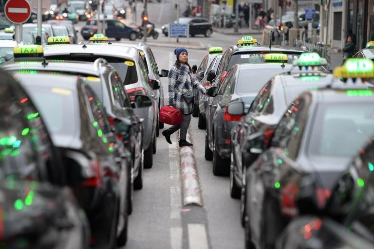 L'Union des taxis prête à attaquer La Poste