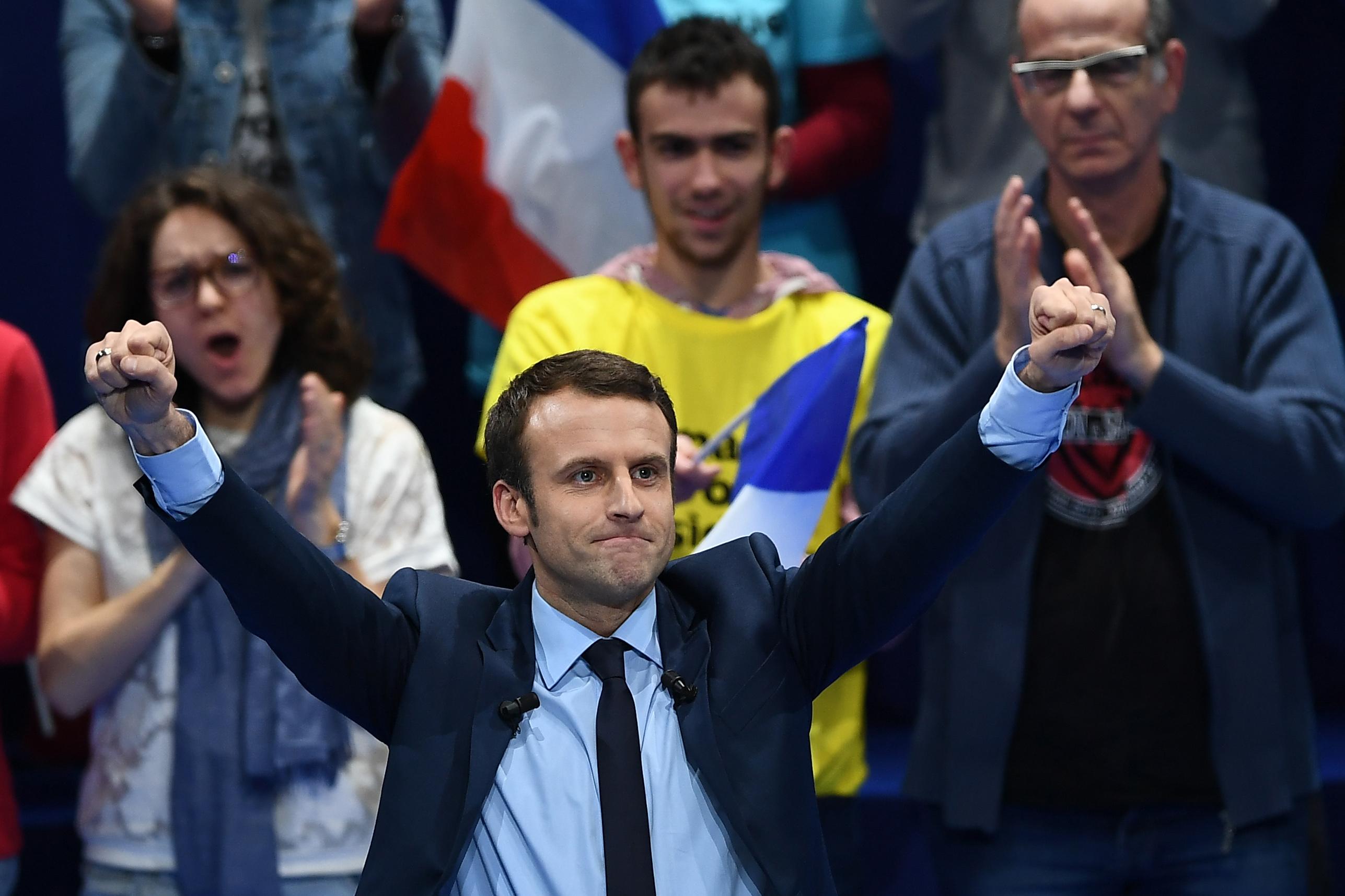 Colonisation : Emmanuel Macron s'excuse lui-même (mais nous pardonne)